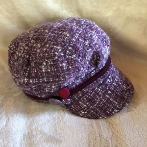 Kate Landry hat